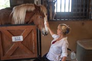 Woman-in-wheelchair-at-an-adaptive-horse-riding-ranch.